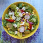 Salatka warzywna z feta