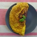 Omlet z parowka i serem