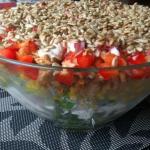 Pyszna salatka warstwowa