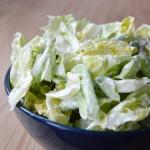 Salata ze smietana do obi...