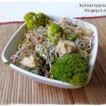 Salatka z brokulami, kala...