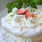 Tort bezowy Raffaello