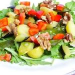 Salatka z mlodymi ziemnia...