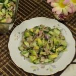 Salatka z awokado i tuncz...