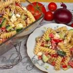 Pyszna salatka grecka z m...