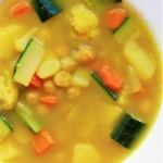 Jarzynowa zupa curry