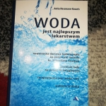 Książka  Woda jest...