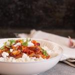 Ryż z sosem pomidorowym...