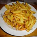 Frytki z ziemniaków.