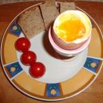 Jajko na miękko, chleb,...