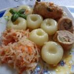 Zrazy wieprzowe w sosie,...