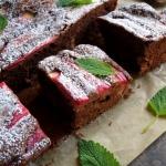 Kakaowe ciasto z rabarbar...
