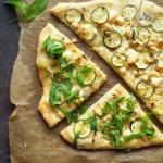 Pizza z cukinią i serem...