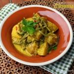 Curry z  ziemniakami i...