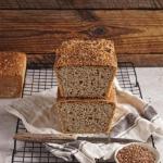 Chleb razowy pszenny na...