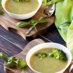 Zupa krem z brokułów.