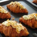 Croissant z migdałami....