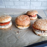 Domowe burgery z...