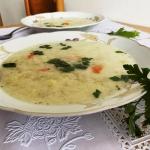 Zupa ogórkowa zabielana