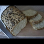 Pszenny chleb z ziarnami...