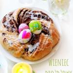 Wielkanocny wieniec z...