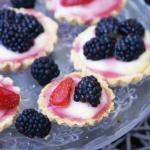 Tartelki z owocami i...