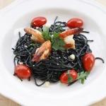 Czarne spaghetti z...