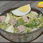 Sałatka brokułowa z...