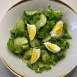 Sałata zielona z jajkiem