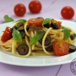 Spaghetti z Pomidorkami,...