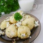 Młode ziemniaki z serem...