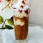 Mrożona kawa z lodami,...