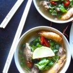 Wietnamska zupa pho na...