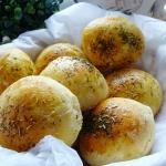 Ziolowe buleczki z serem ...