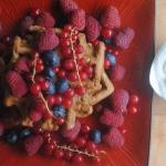 716. Gofry z owocami,...