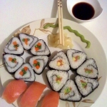 Maki sushi w dwoch smakac...